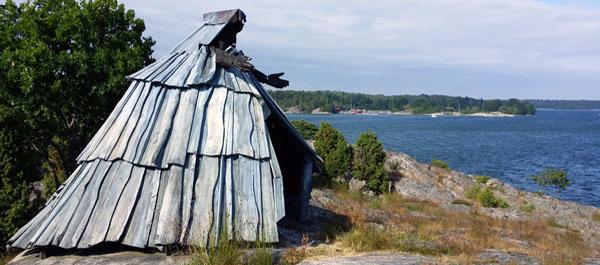 Stella maris ett konstverk i trä på Sävö